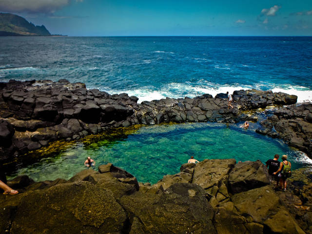 piscine-naturali-queen-s-bath-kauai-hawaii